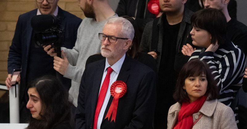 ბრიტანეთის ლეიბორისტული პარტიის ყოფილ ლიდერს ჯერემი კორბინს პარტიის წევრობა შეუჩერეს