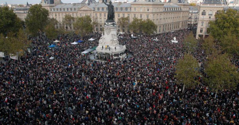 საფრანგეთში მოკლული მასწავლებლის ხსოვნის პატივსაცემად აქციები გაიმართა