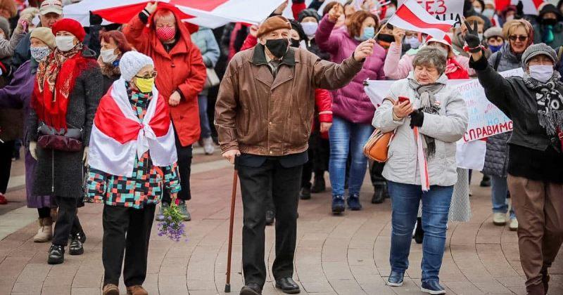 მინსკში მომიტინგეებმა, მათ შორის ბევრმა პენსიონერმა, ანტისამთავრობო აქცია გამართეს