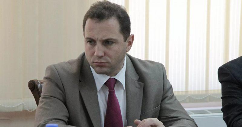 სომხური მედია: სომხეთის თავდაცვის მინისტრმა თანამდებობა დატოვა
