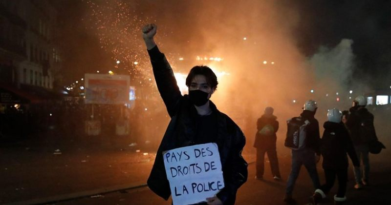 პარიზში პოლიციის ძალადობის საწინააღმდეგო აქციის დასაშლელად ცრემლსადენი გაზი გამოიყენეს