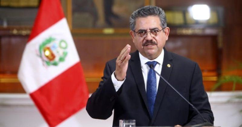 პერუს დროებითი პრეზიდენტი მანუელ მერინო თანამდებობის დაკავებიდან 5 დღეში გადადგა