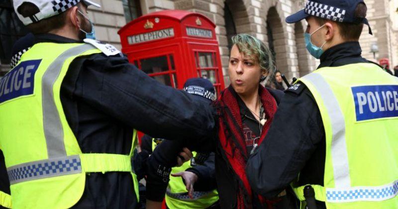ლონდონში კარანტინის საწინააღმდეგო აქციაზე 155 ადამიანი დააპატიმრეს
