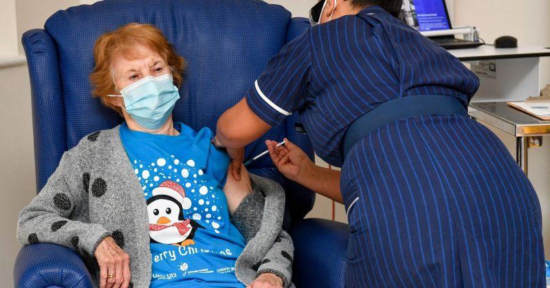 ბრიტანეთში COVID 19-ის ვაქცინა პირველად 90 წლის ქალმა გაიკეთა