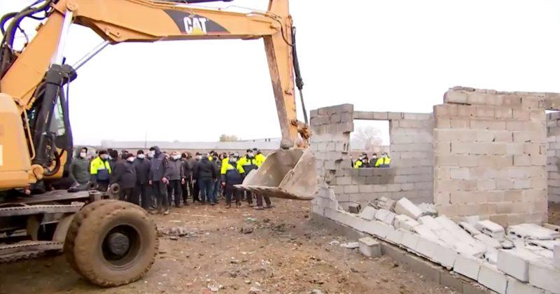 მერია: მოქალაქეებს მოვუწოდებთ, 4 დღეში დაანგრიონ სამგორში გამოვლენილი უკანონო შენობები