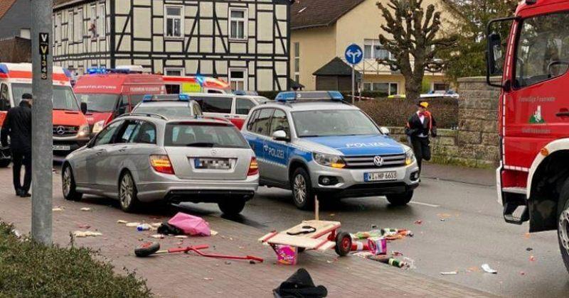 გერმანიაში, ტრირში საფეხმავლო გზაზე შევარდნილმა ავტომობილმა 2 ადამიანი იმსხვერპლა