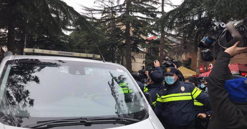 ქართული ოცნების ყრილობისას დაკავებული აქტივისტები გაათავისუფლეს