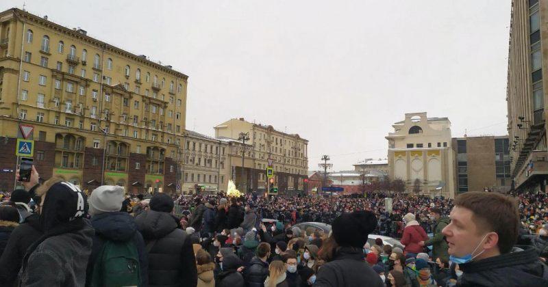 რუსეთის 40 ქალაქში ნავალნის მხარდამჭერ აქციებზე 369 ადამიანი დაიჭირეს [PHOTO/VIDEO]