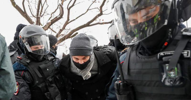 რუსეთში ნავალნის მხარდამჭერ აქციებზე უკვე 2000-ზე მეტი ადამიანი დააკავეს