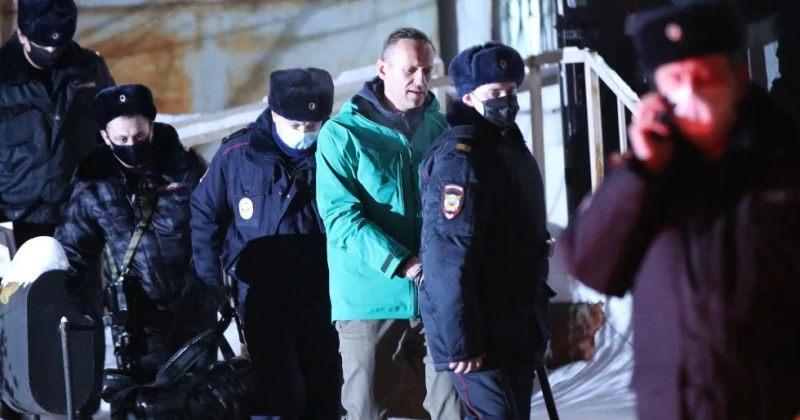 ჟდანოვი: მოსკოვში სამართალდამცავები ნავალნის ბინას ჩხრეკენ