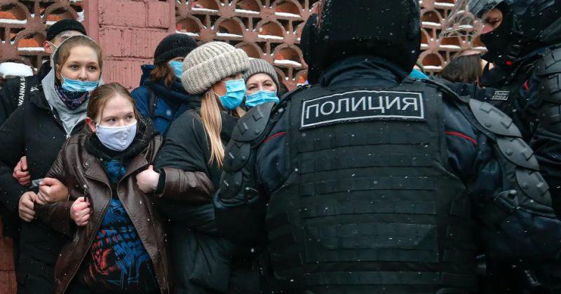 რუსეთში ნავალნის მხარდამჭერ აქციებზე 5 000-ზე მეტი ადამიანი დააკავეს