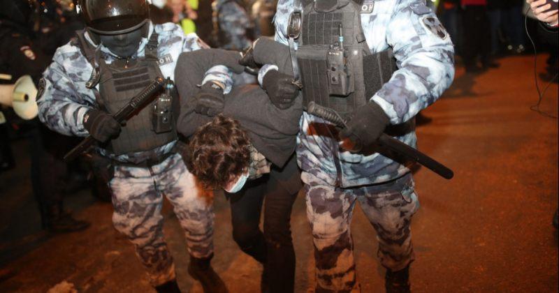 რუსეთში ნავალნის სასამართლო პროცესის დღეს 1 000-ზე მეტი ადამიანი დააკავეს