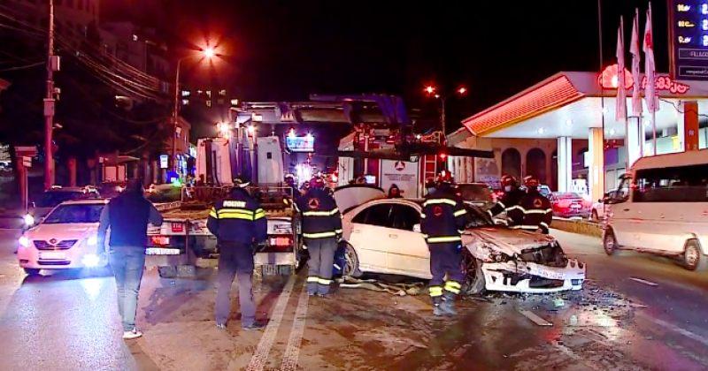 ჭავჭავაძის გამზირზე 3 ავტომობილი ერთმანეთს შეეჯახა - დაშავდა ორი ადამიანი