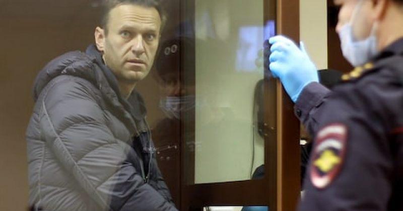 რუსეთში ნავალნის თანამოაზრეები დააკავეს და რეგიონალურ ოფისებში რეიდი მოაწყვეს
