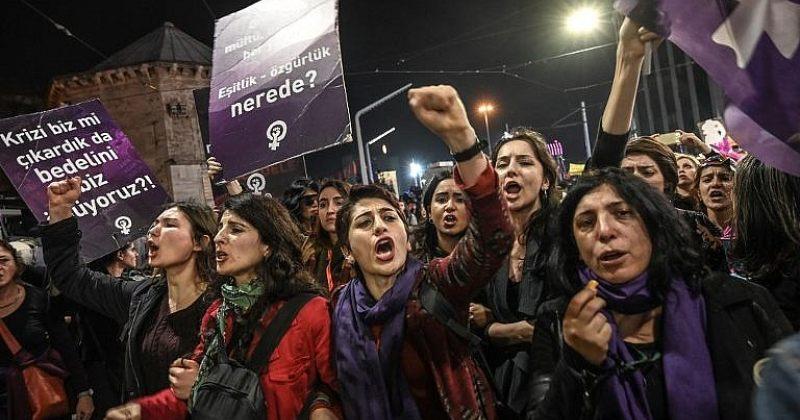 """თურქეთში ერდოღანის """"შეურაცხყოფისთვის"""" 13 ადამიანი დააკავეს"""