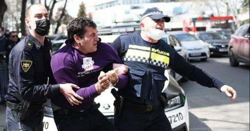 პოლიციელის მხრიდან მუმლაძეზე სავარაუდო ძალადობაზე ინსპექტორის სამსახურმა გამოძიება დაიწყო
