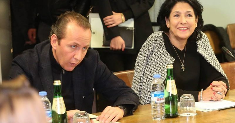 დიმიტრი გაბუნიამ პრეზიდენტის საპარლამენტო მდივნის თანამდებობა დატოვა