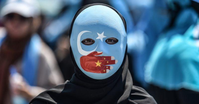 ბრიტანეთის პარლამენტმა ჩინეთის ქმედებები უიღურების წინააღმდეგ გენოციდად გამოაცხადა