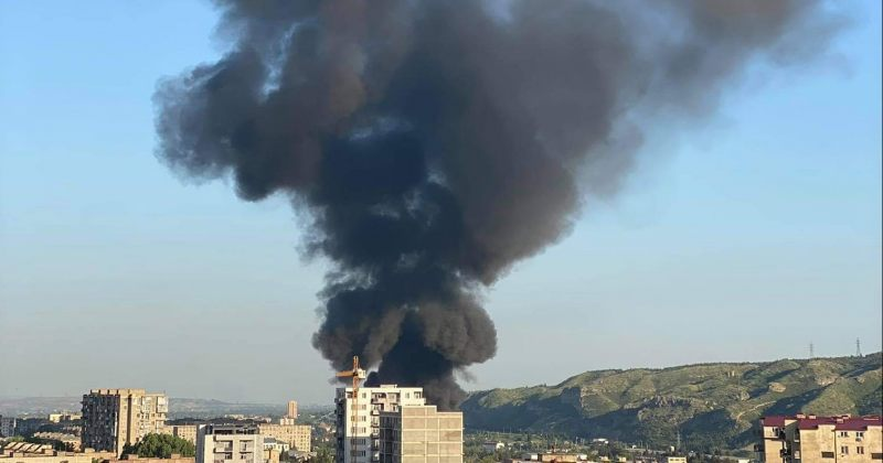 სამგორის რაიონში ხანძარი ჩააქრეს, ცეცხლი პლასტმასის ნივთების ერთსართულიან საწყობს ეკიდა