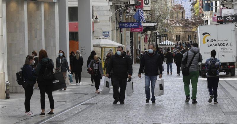 საბერძნეთი ლოქდაუნს ასრულებს და ტურისტებისთვის საზღვრებს ხსნის