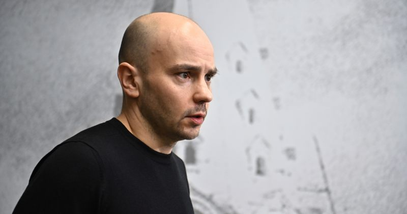 რუსეთში ოპოზიციური მოძრაობის OPEN RUSSIA-ს ყოფილი დირექტორი დააკავეს