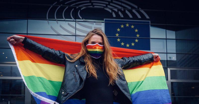 ევროკავშირი LGBTIQ თემის დისკრიმინაციის გამო, უნგრეთსა და პოლონეთს სასამართლოში უჩივის
