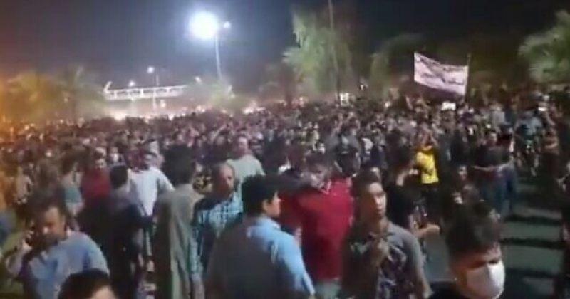 """""""სიკვდილი დიქტატორს"""" – ირანის საპროტესტო აქციები თეირანში გრძელდება"""