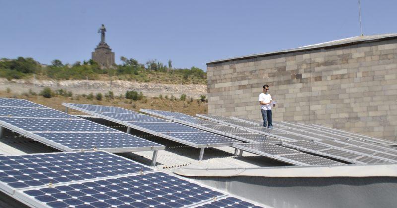 სომხეთი ორი ახალი მზის ელექტროსადგურის აშენებას გეგმავს