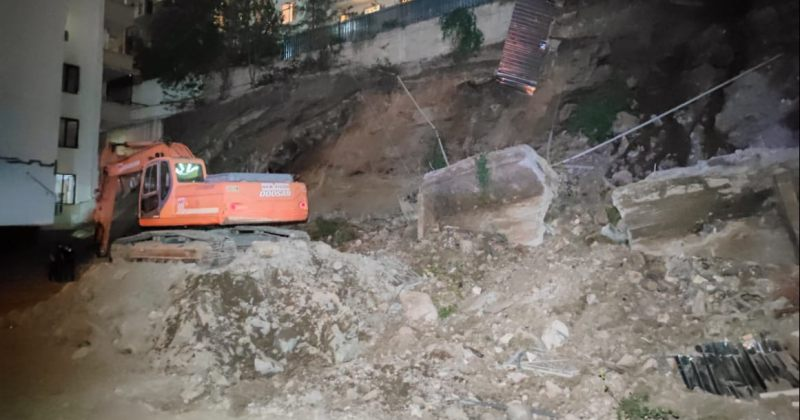 მერია: ლორთქიფანიძეზე ფერდი მშენებლობის არასწორი მართვის გამო ჩამოიშალა, კორპუსი არ შენდება