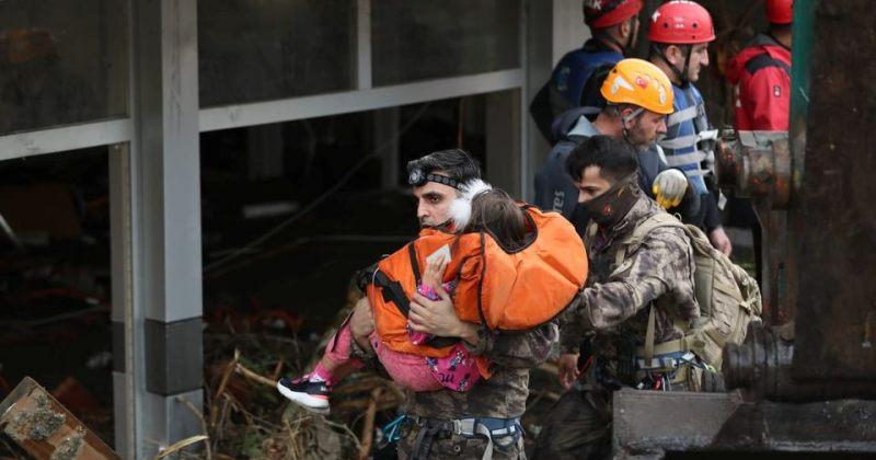 თურქეთში წყალდიდობას 40-ზე მეტი ადამიანის სიცოცხლე ემსხვერპლა