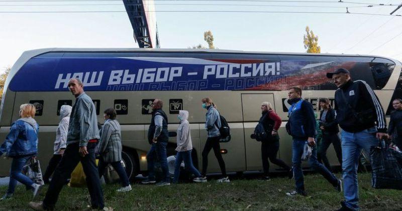უკრაინის ოკუპირებული რეგიონიდან რუსეთში არჩევნებზე ჩასულებს პასპორტები უბნებზე დაურიგეს