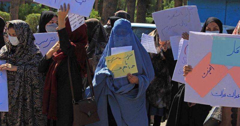 ავღანეთში, ჰერათში ქალებმა დემონსტრაცია გამართეს, ისინი თალიბანისგან მეტ უფლებებს ითხოვენ