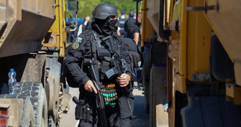 კოსოვოში პოლიციასა და ეთნიკურ სერბებს შორის რეიდების დროს შეტაკებები მოხდა