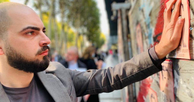 გაკვრიდან რამდენიმე საათში ჩამოხეული პოსტერები ევროპელებმა ხელახლა გააკრეს