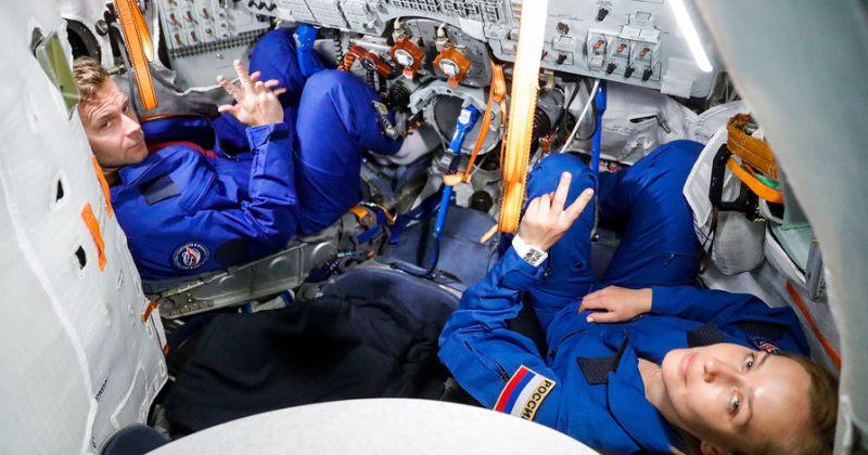 რუსი რეჟისორი და მსახიობი ფილმის გადასაღებად კოსმოსში გაფრინდნენ